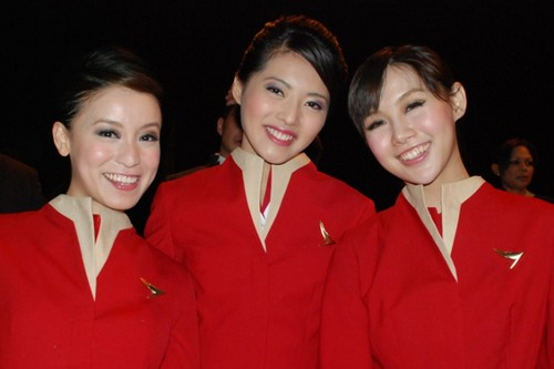 Cathay-Pacific-air-hostess